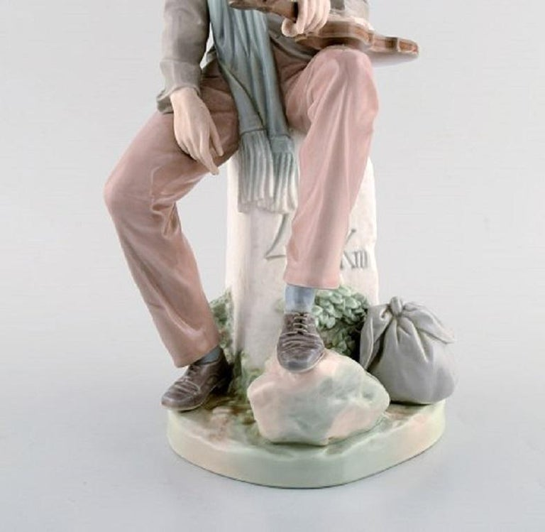 Lladro, Spain, Large Porcelain Figure, Troubadour, 1980s-1990s In Good Condition For Sale In Copenhagen, Denmark