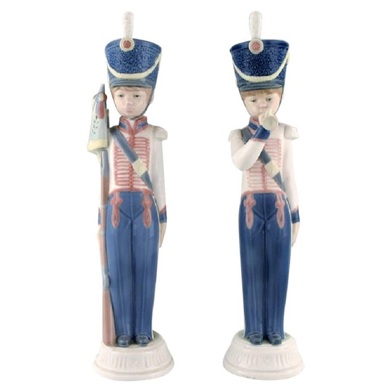 Lladro, Spain, Two Porcelain Figurines, Guard Boys, 1980s-1990s For Sale