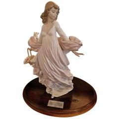 Lladro Spanish Porcelain Figurine of Spring Splendor 'Retired'