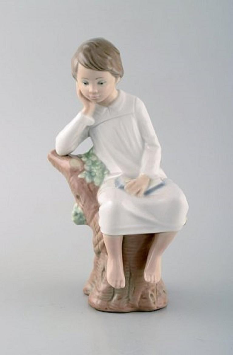 Lladro, Tengra and Zaphir, Spain, Four Porcelain Figurines of Children For Sale 3