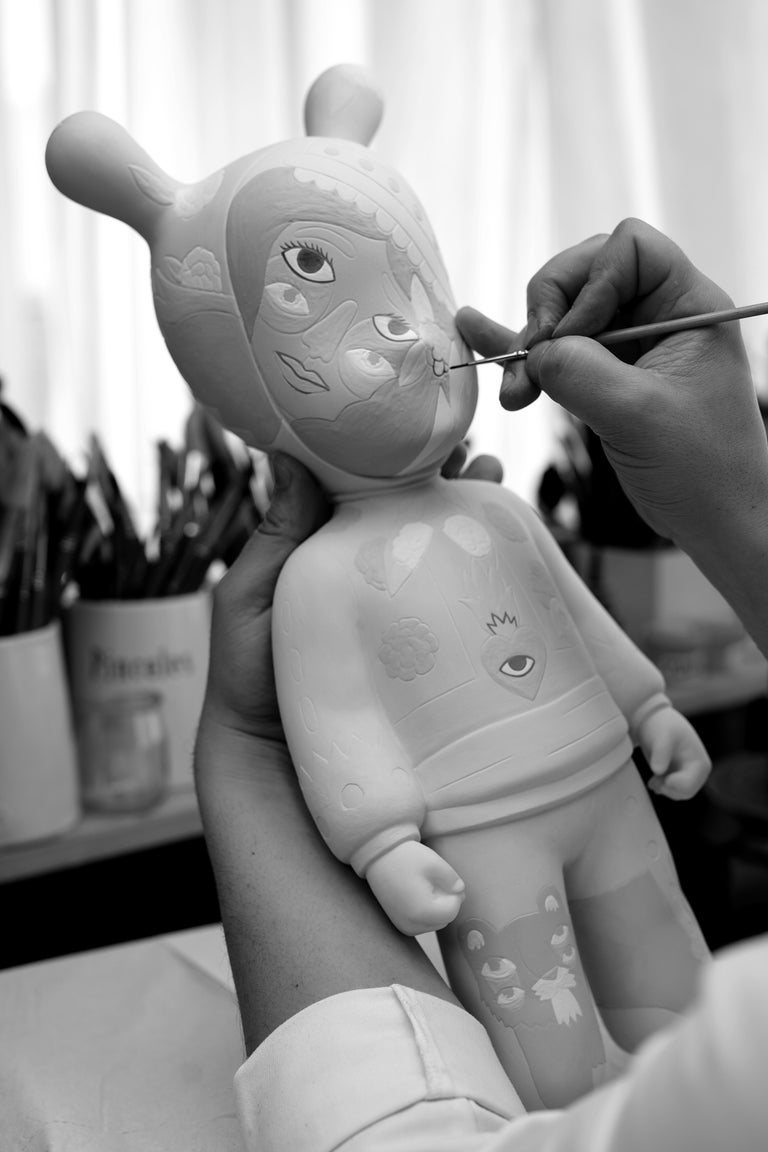 Porcelain Lladro The Guest Figurine Large Model by Ricardo Cavolo. Limited Edition. For Sale
