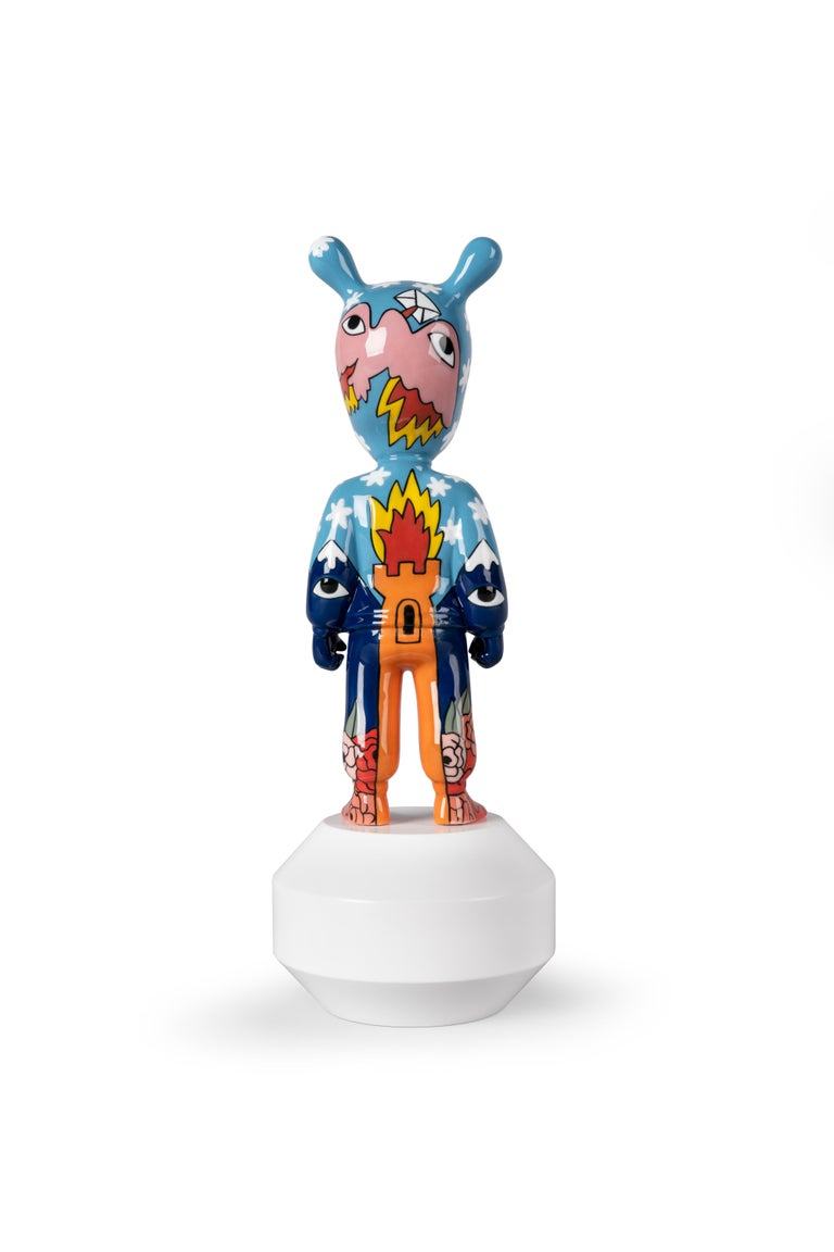 This piece is the contribution by the prestigious designer Ricardo Cavolo to The Guest, the creative project inviting cutting-edge artists from around the world to customize this fascinating character. The Guest series includes collaborations with