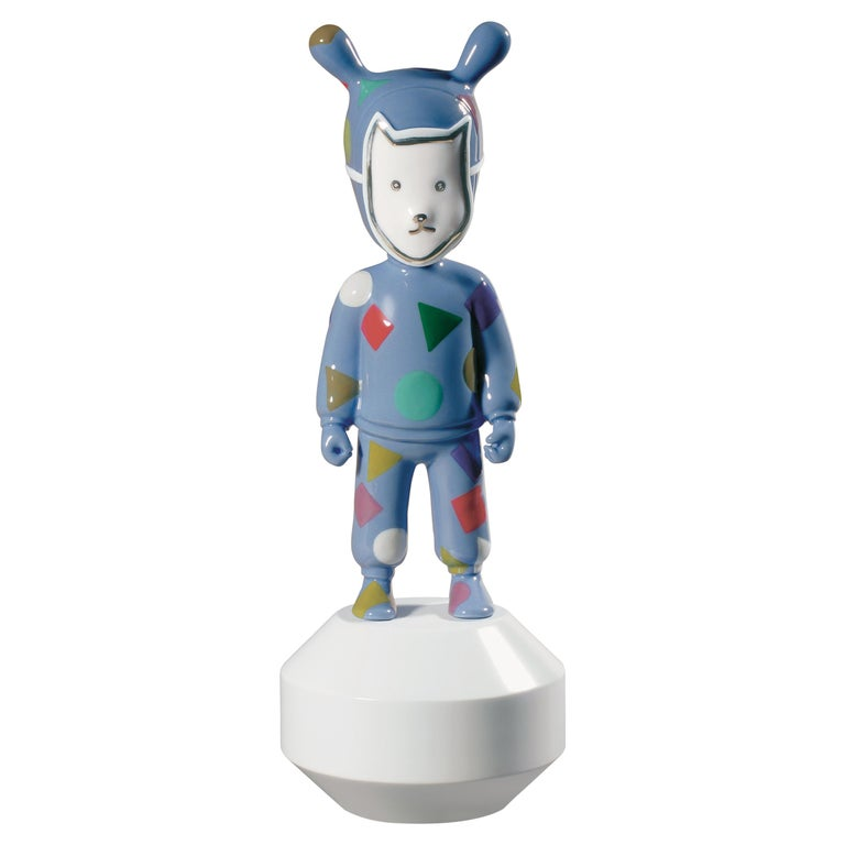 Lladro The Guest Small Figurine by Paul Smith, Numbered Edition For Sale