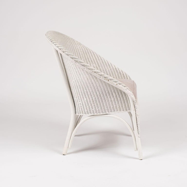 English Lloyd Loom Style White Painted Wicker Chair For Sale