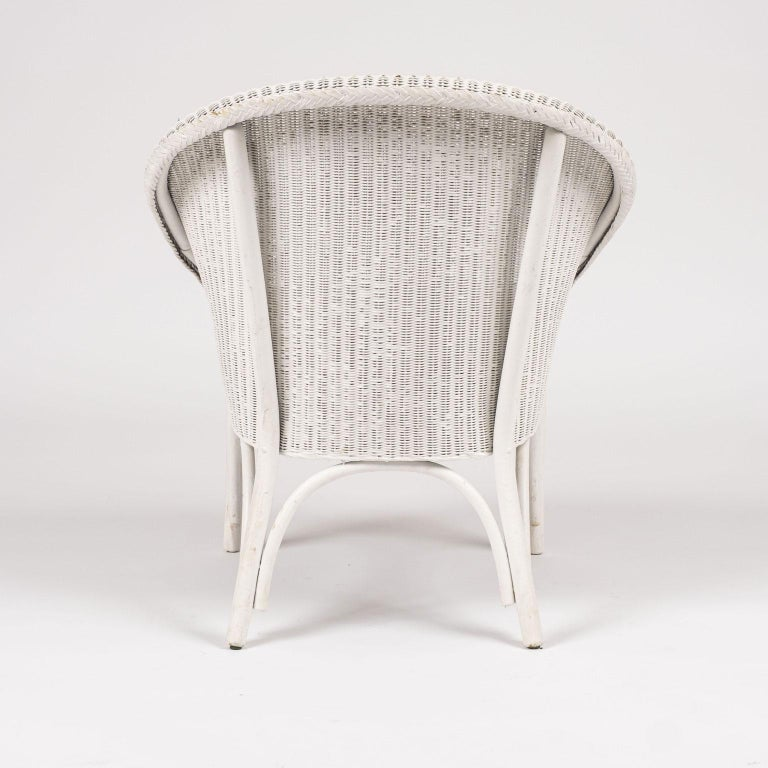 Lloyd Loom Style White Painted Wicker Chair In Good Condition For Sale In Houston, TX