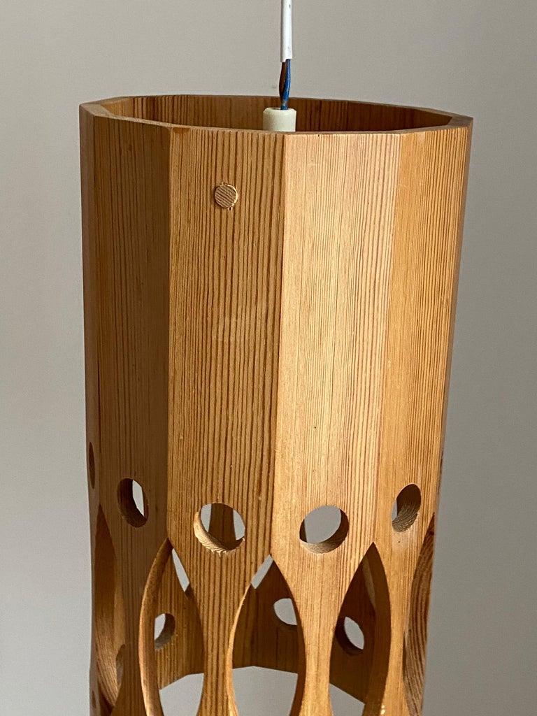Swedish L.O. Nilsson, Pendant Lamp, Solid Pine, Signed, Sweden, 1960s For Sale