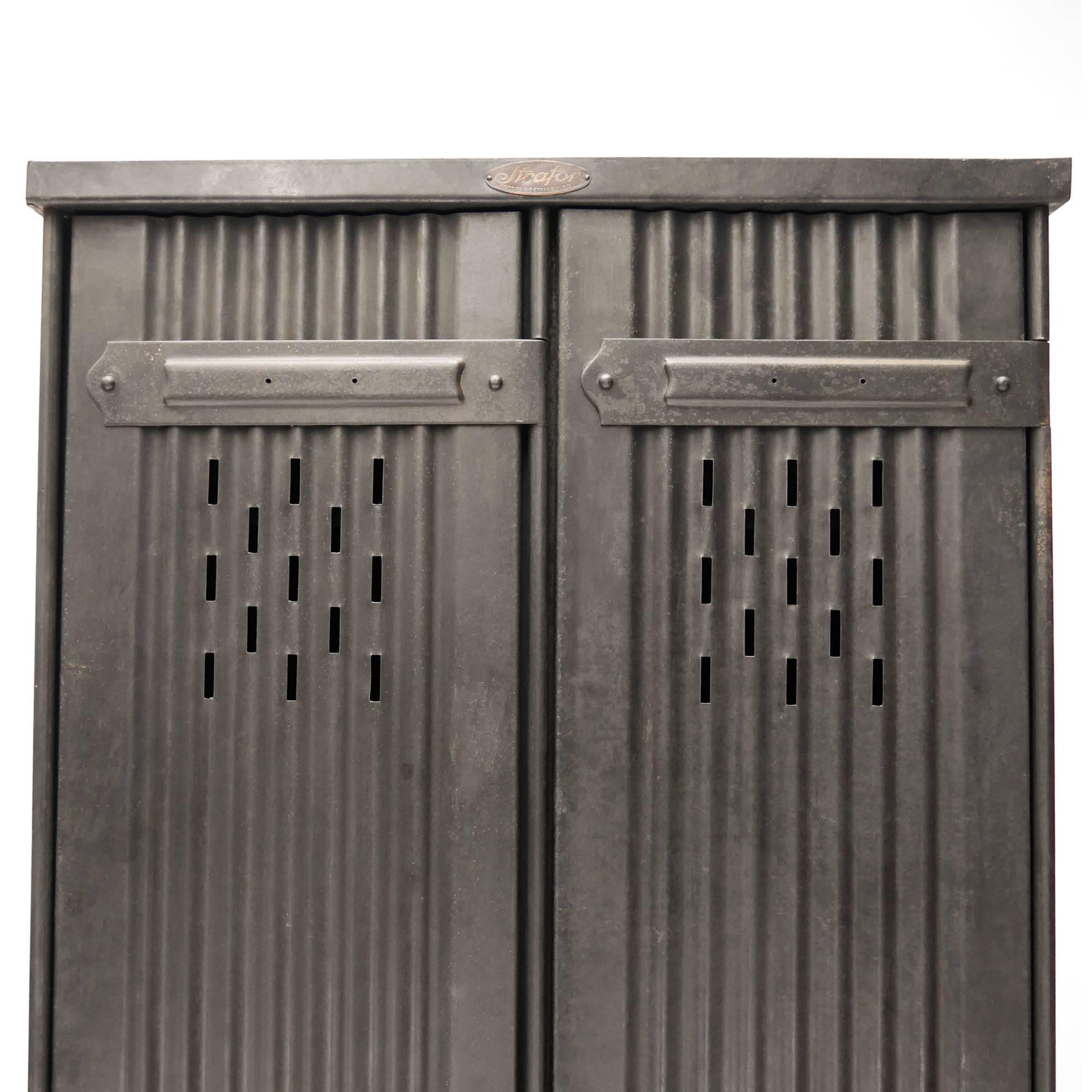 Locker U201cStraforu201d Two Corrugated Doors, Patinated Iron, Circa 1900 In Good  Condition