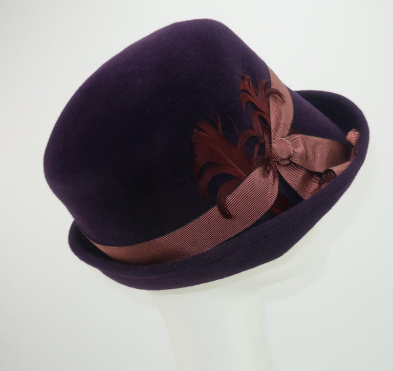 Lola Aubergine Trilby Hat With Feathers C.2000 In Good Condition For Sale In Atlanta, GA