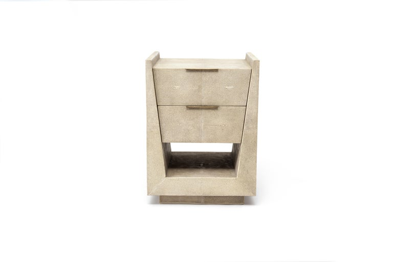 Art Deco Lola Bedside Table in Cream Shagreen and Bronze-Patina Brass by R&Y Augousti For Sale