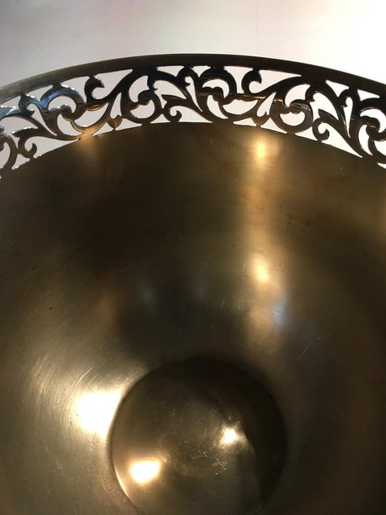 London Early 20th Century Bowl Centerpiece by Goldsmiths & Silversmiths For Sale 10