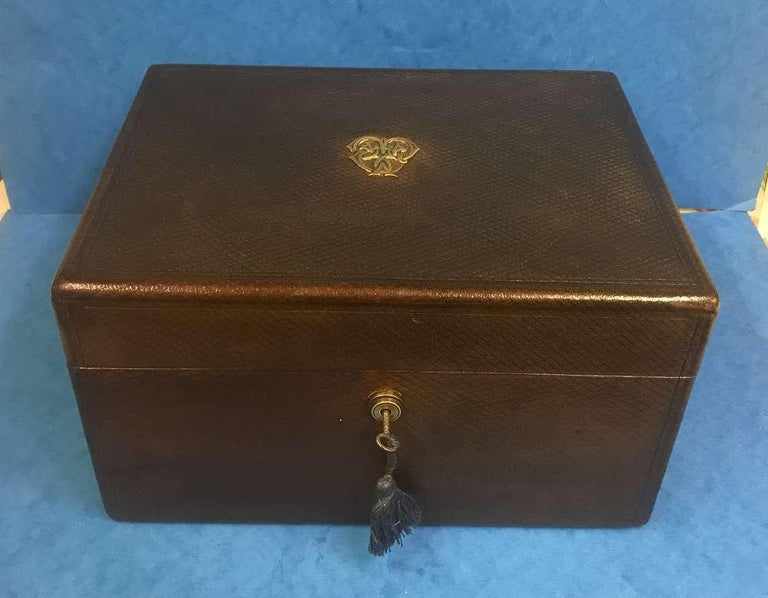 London Victorian 1863 Leather Vanity Box For Sale 4
