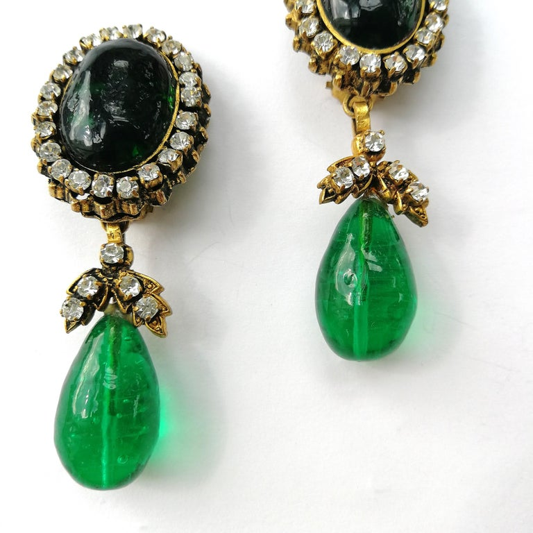 Women's or Men's Long emerald poured glass, paste and gilded metal drop earrings, Chanel, 1980s For Sale