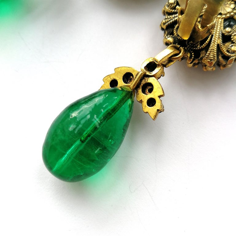 Long emerald poured glass, paste and gilded metal drop earrings, Chanel, 1980s For Sale 2