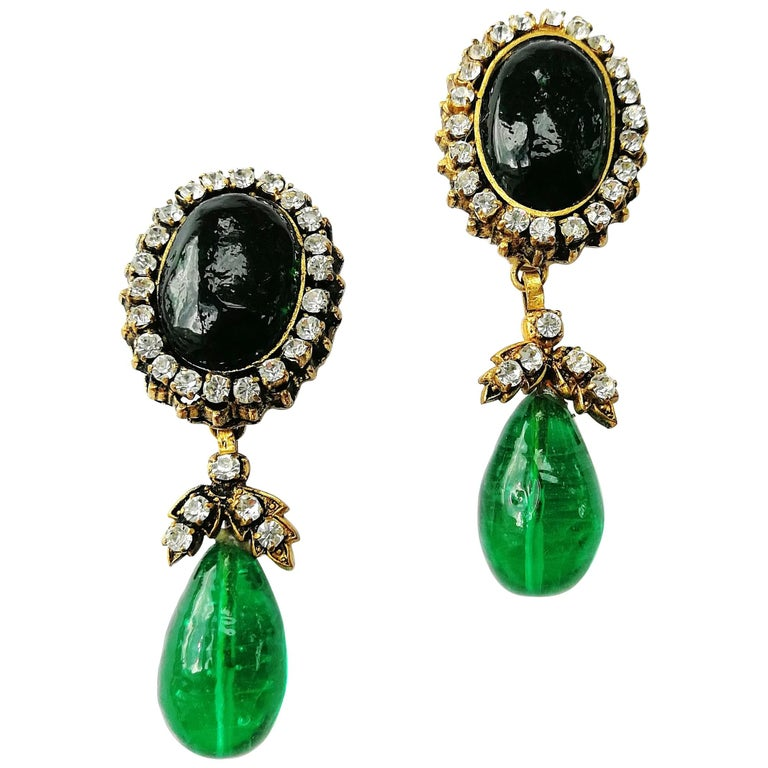 Long emerald poured glass, paste and gilded metal drop earrings, Chanel, 1980s For Sale