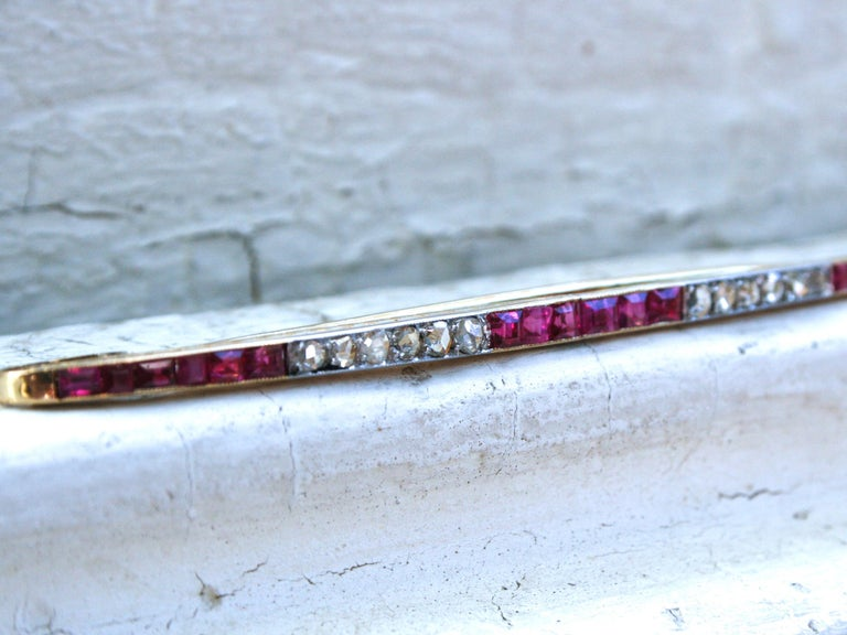 Art Deco Long French Antique 18 Karat Yellow Gold Diamond and Ruby Bar Pin/ Brooch For Sale