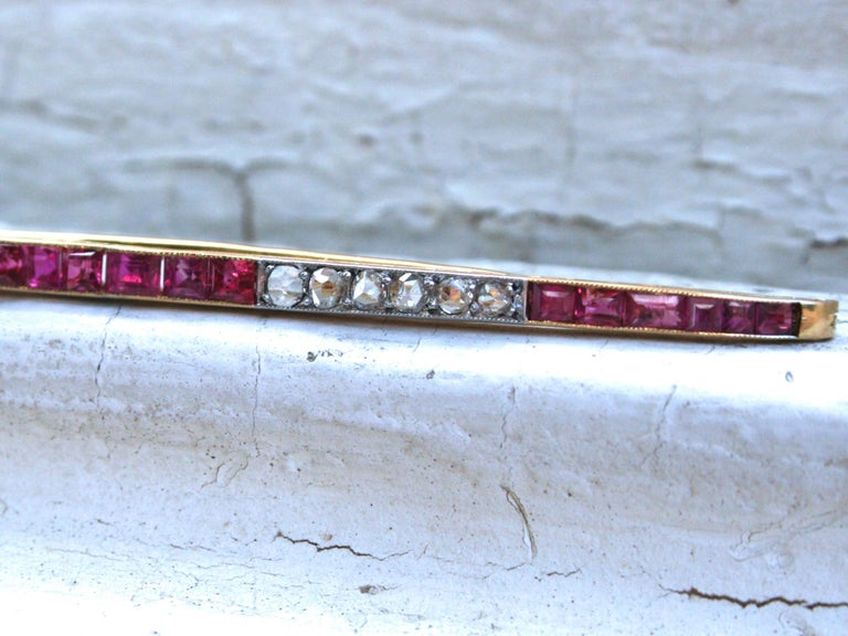 Rose Cut Long French Antique 18 Karat Yellow Gold Diamond and Ruby Bar Pin/ Brooch For Sale