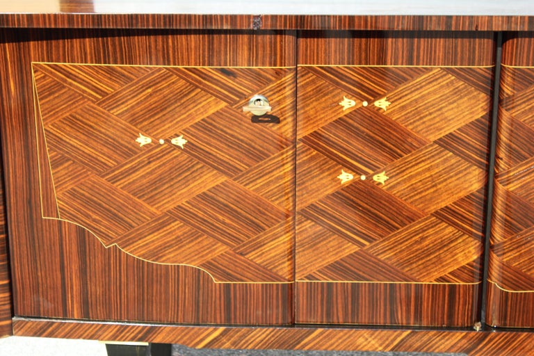 Long French Art Deco Macassar Ebony Mother-Of-Pearl Sideboard / Buffet / Bar . For Sale 6