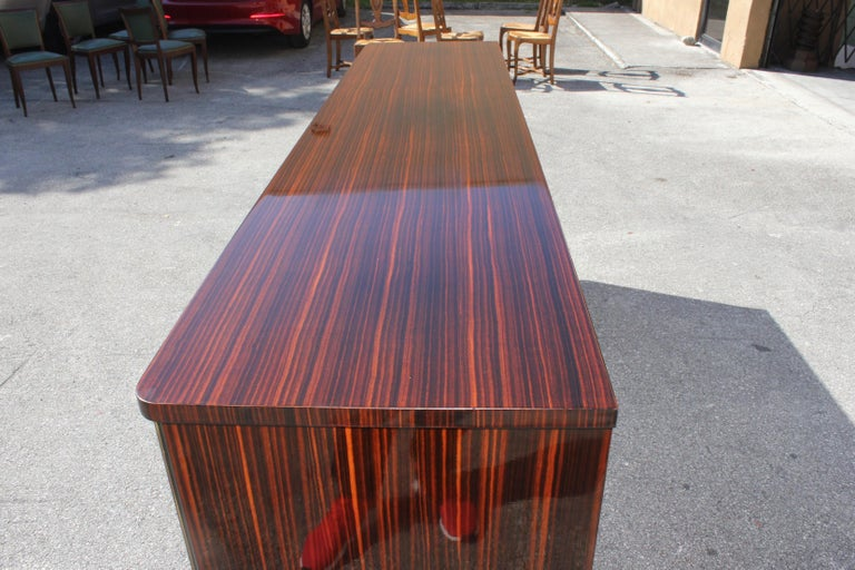 Long French Art Deco Macassar Ebony Mother-Of-Pearl Sideboard / Buffet / Bar . For Sale 9
