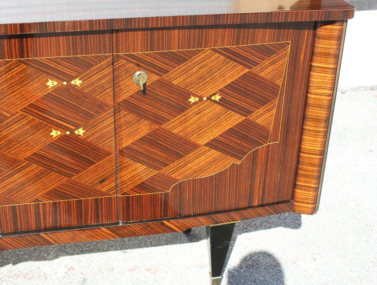 Long French Art Deco Macassar Ebony Mother-Of-Pearl Sideboard / Buffet / Bar . For Sale 11