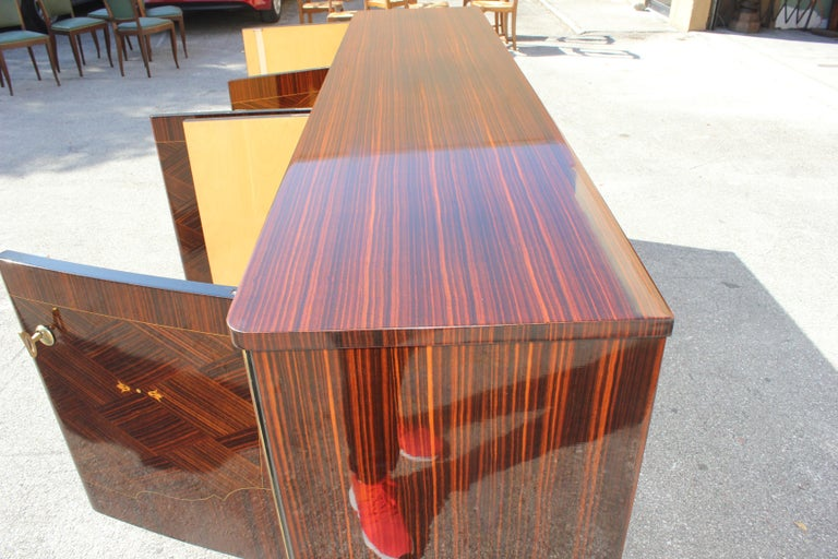 Long French Art Deco Macassar Ebony Mother-Of-Pearl Sideboard / Buffet / Bar . For Sale 15
