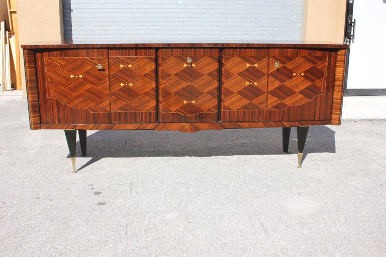 Long French Art Deco Macassar Ebony Mother-Of-Pearl Sideboard / Buffet / Bar . In Excellent Condition For Sale In Hialeah, FL