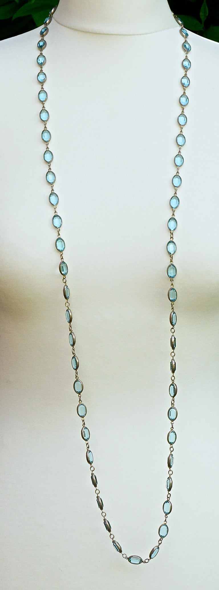 Long Silver Tone and Bezel Set Open Back Oval Blue Glass Link Necklace In Good Condition For Sale In London, GB
