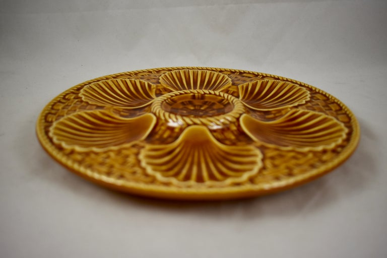 Longchamp French Majolica Sienna Earthenware Basketweave & Shell Oyster Plate In Excellent Condition For Sale In Philadelphia, PA