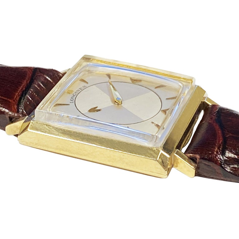 Longines 1950 Mystery Dial Yellow Gold Manual Wind Wrist Watch In Excellent Condition For Sale In Chicago, IL