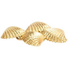 Longmire 18 Karat Yellow Gold Seashell Cufflinks