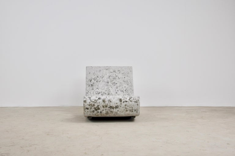 Loop armchair by Willy Guhl. Slight wear and tear due to time and the age of the object.