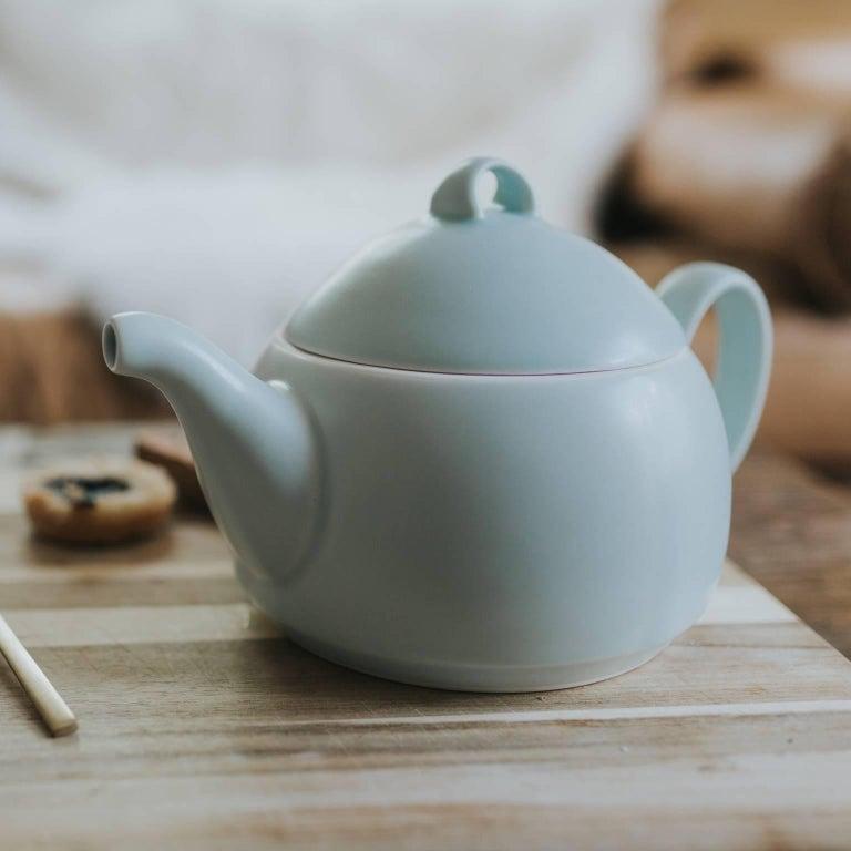 Loop Teapot Ink Matte Black Tea Set with Mugs Contemporary Glazed Porcelain For Sale 1