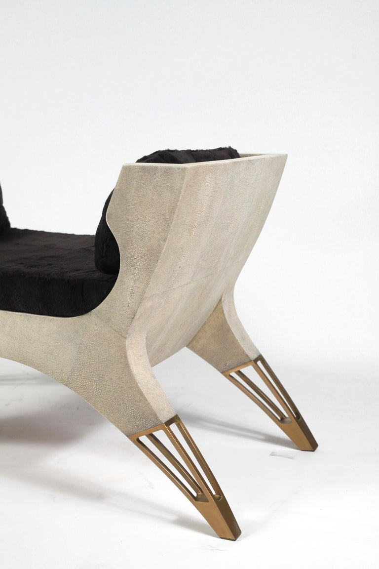 Lord Bench in Cream Shagreen and Bronze-Patina Brass by R&Y Augousti For Sale 4