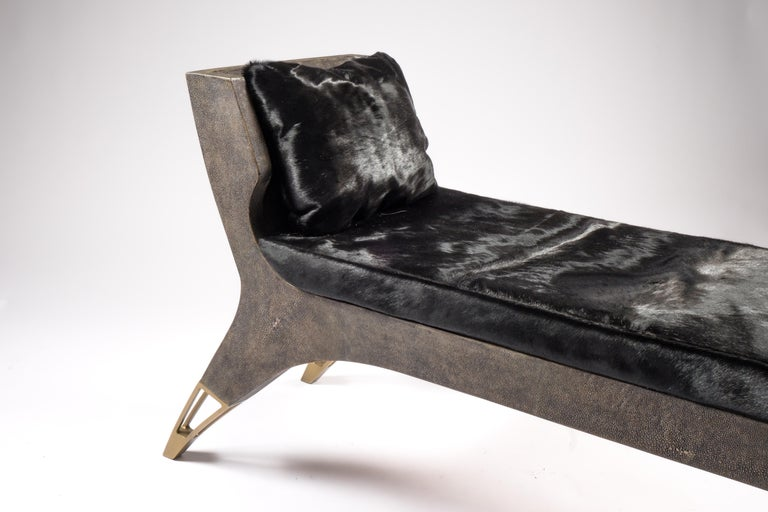 Lord Bench in Cream Shagreen and Bronze-Patina Brass by R&Y Augousti For Sale 1