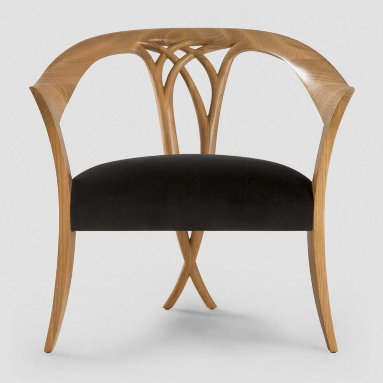 Chair Lord with hand carved structure in solid wood