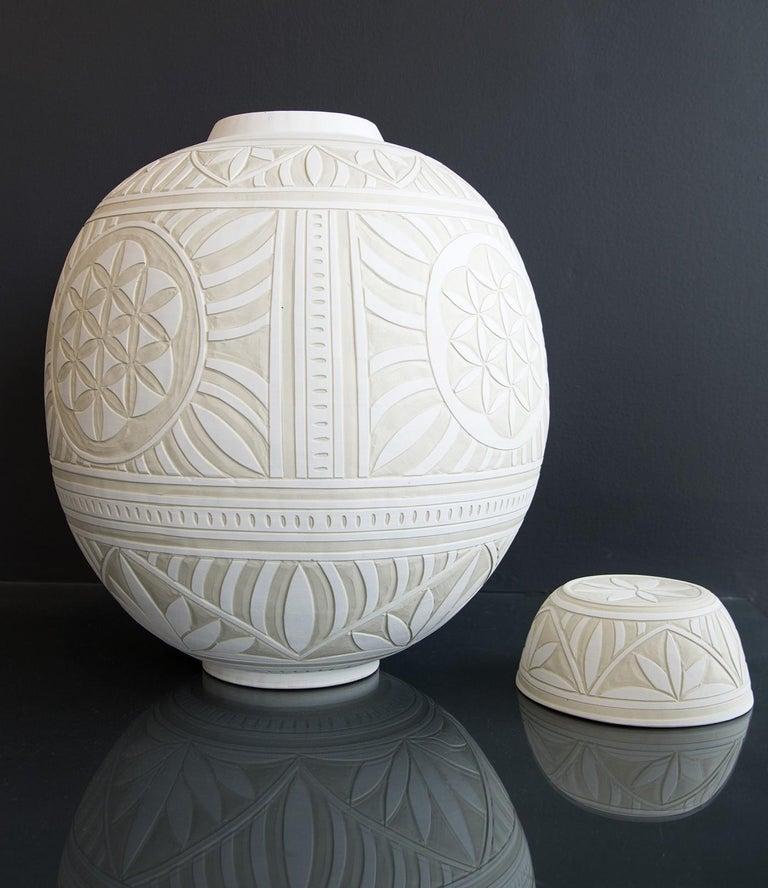 Large Engraved Ginger Jar - decorative, detailed, handcrafted, porcelain vessel - Contemporary Sculpture by Loren Kaplan