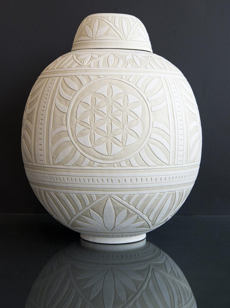 Loren Kaplan Abstract Sculpture - Large Engraved Ginger Jar - decorative, detailed, handcrafted, porcelain vessel