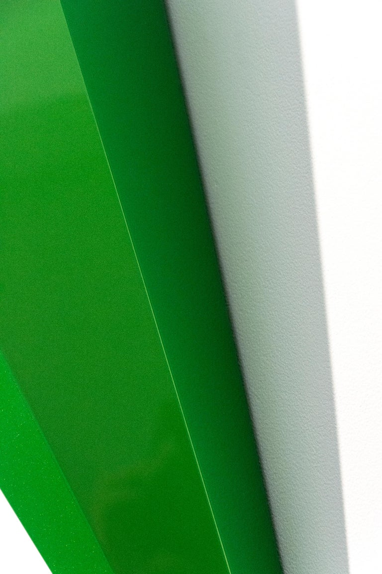 On Point - bright, glossy, green, smooth surfaced, abstract, wall sculpture - Contemporary Sculpture by Lori Cozen-Geller
