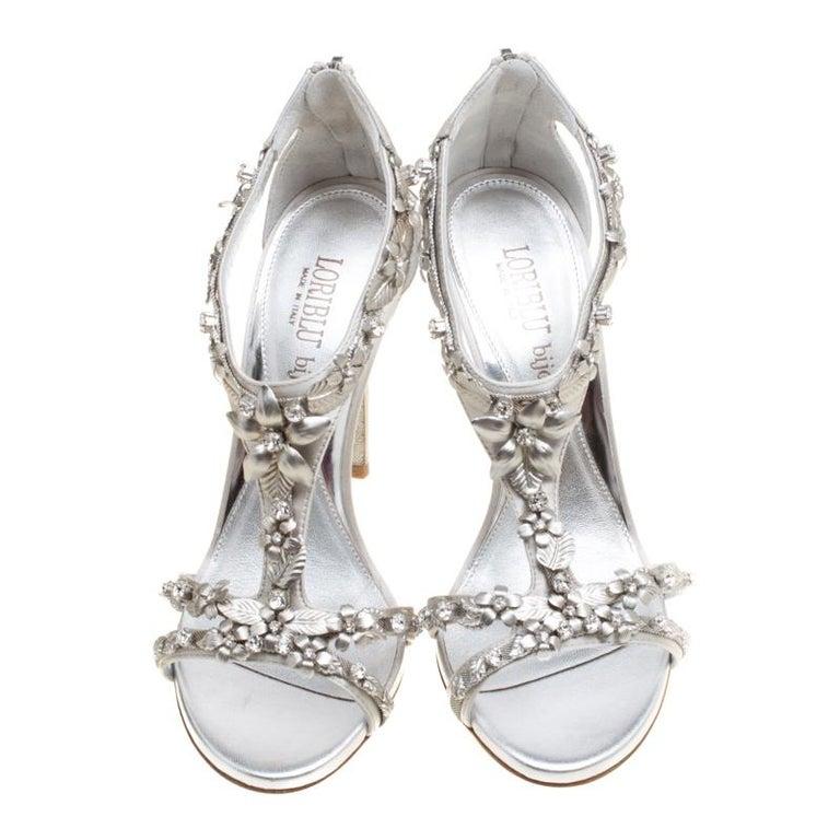 Gray Loriblu Bijoux Grey Satin Floral Embellished Crystal Studded Sandals Size 37.5 For Sale