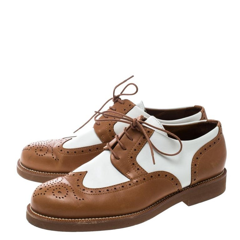Women's Loro Piana Two Tone Leather Round Toe Wingtip Brogue Oxfords Size 37.5 For Sale