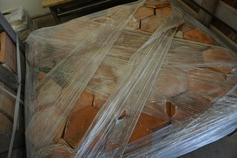 18th Century Reclaimed Terracotta Hexagon Flooring In Good Condition For Sale In Dallas, TX