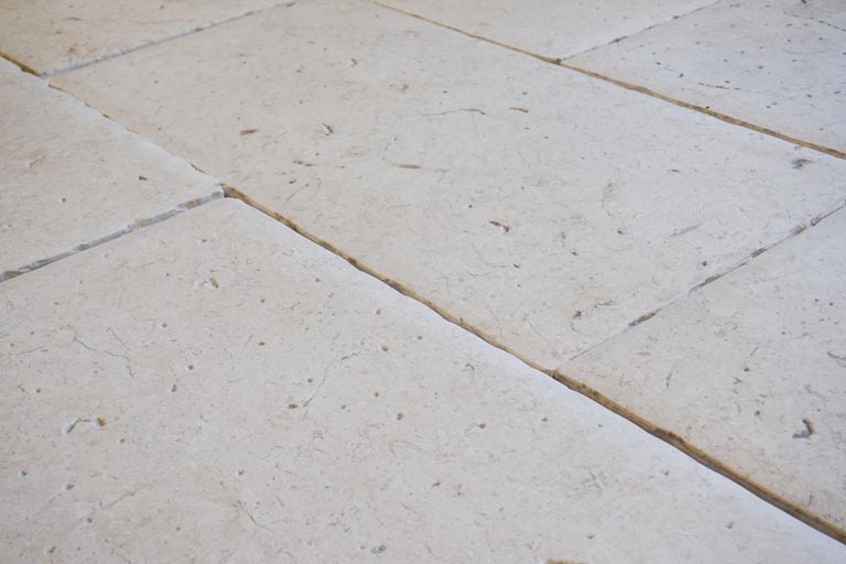 Lot of 300 Sq. Ft. Limestone Flooring from Jericho In Excellent Condition For Sale In Dallas, TX