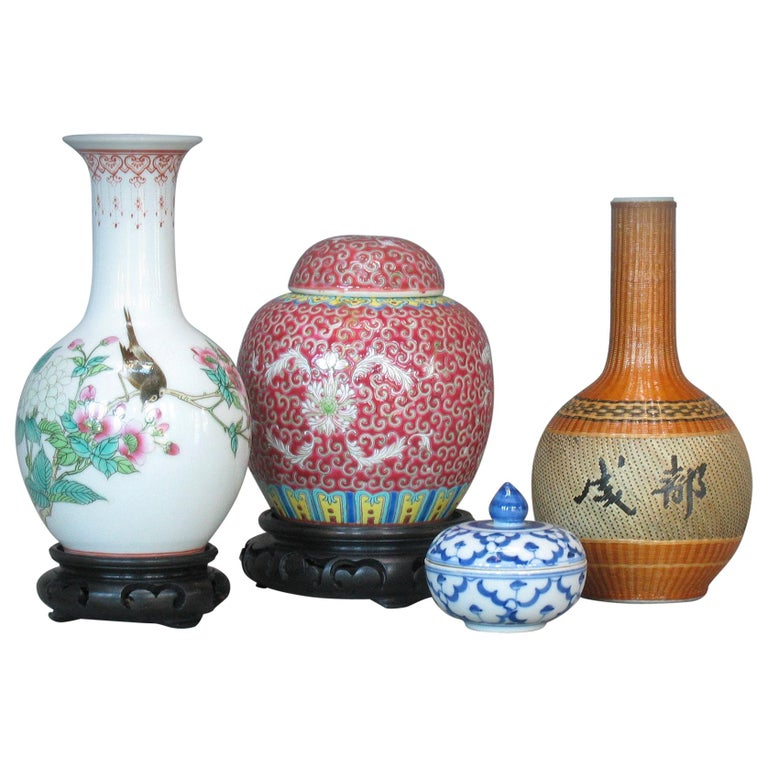 Lot of Chinese Items, a Vase, Ginger Jar, Seal Box and Dehua Bottle 20th Century For Sale