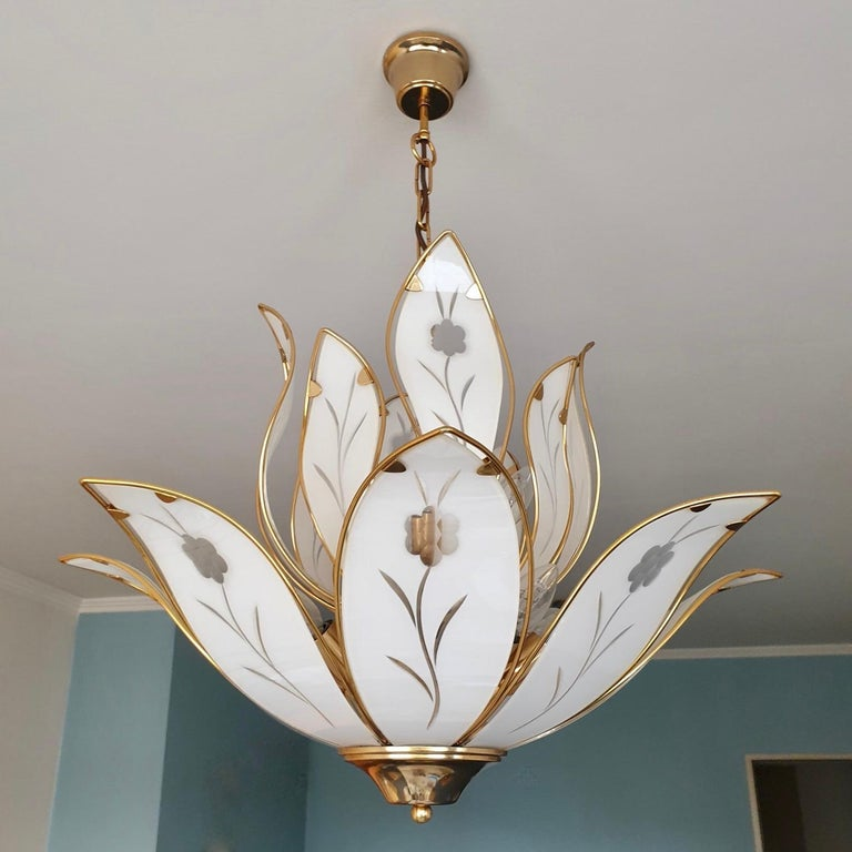 Hollywood Regency Lotus Chandelier in Brass and White Murano Glass For Sale
