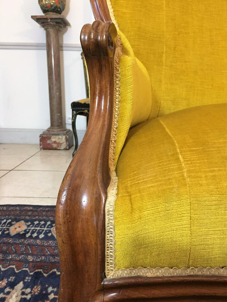 French Louis XV Style Bench Mahogany and Yellow Velvet Louis-Philippe Period circa 1840 For Sale