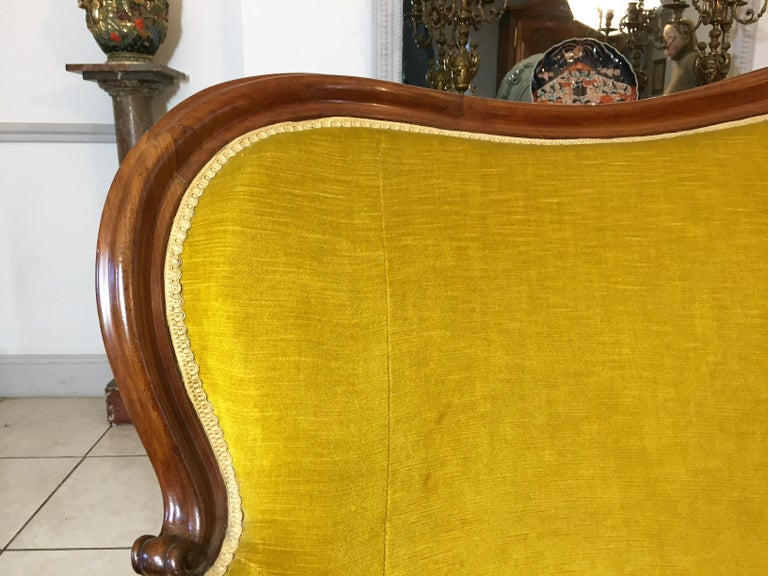19th Century Louis XV Style Bench Mahogany and Yellow Velvet Louis-Philippe Period circa 1840 For Sale