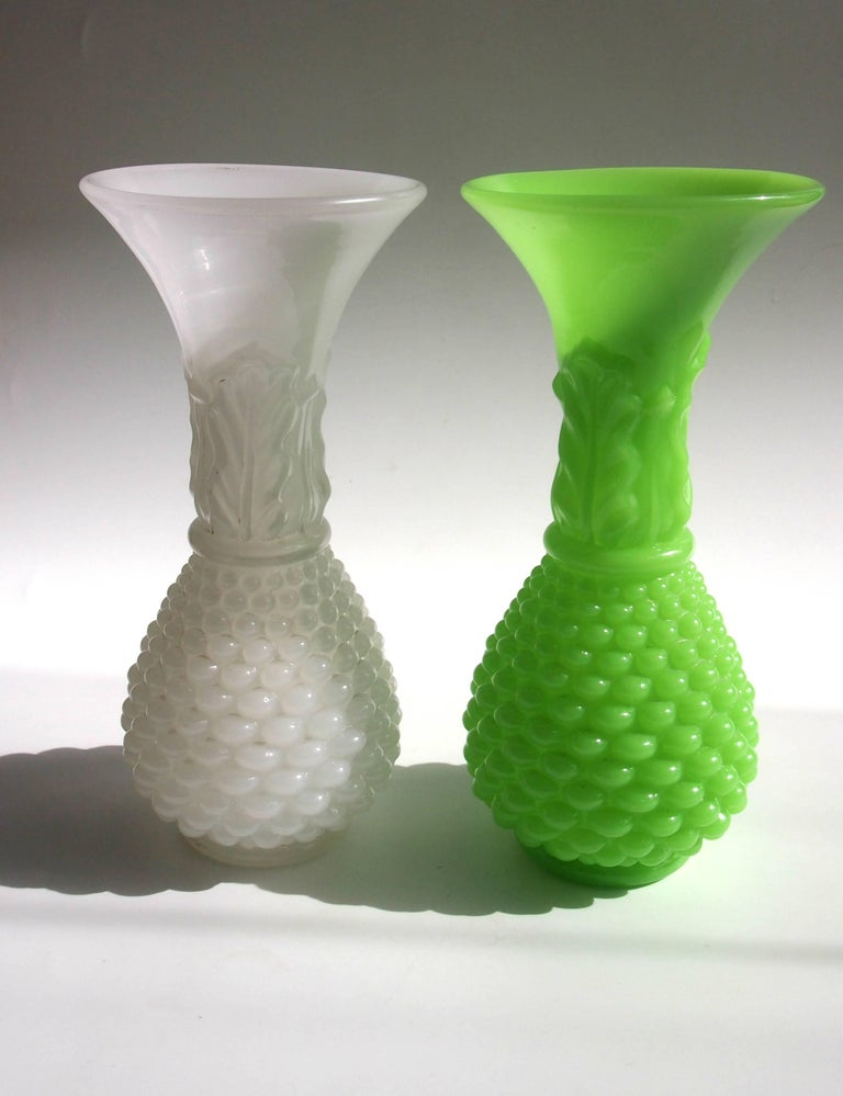 French Louis Philippe Baccarat White Glass Pineapple Vase For Sale 3
