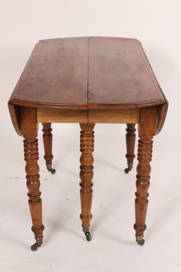 Louis Philippe Birch Drop-Leaf Table In Good Condition In Laguna Beach, CA