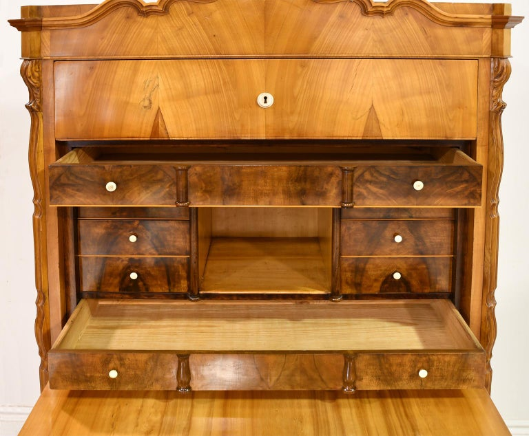 Louis Philippe Fall-Front Secretary in Cherrywood, Germany, circa 1850 For Sale 11