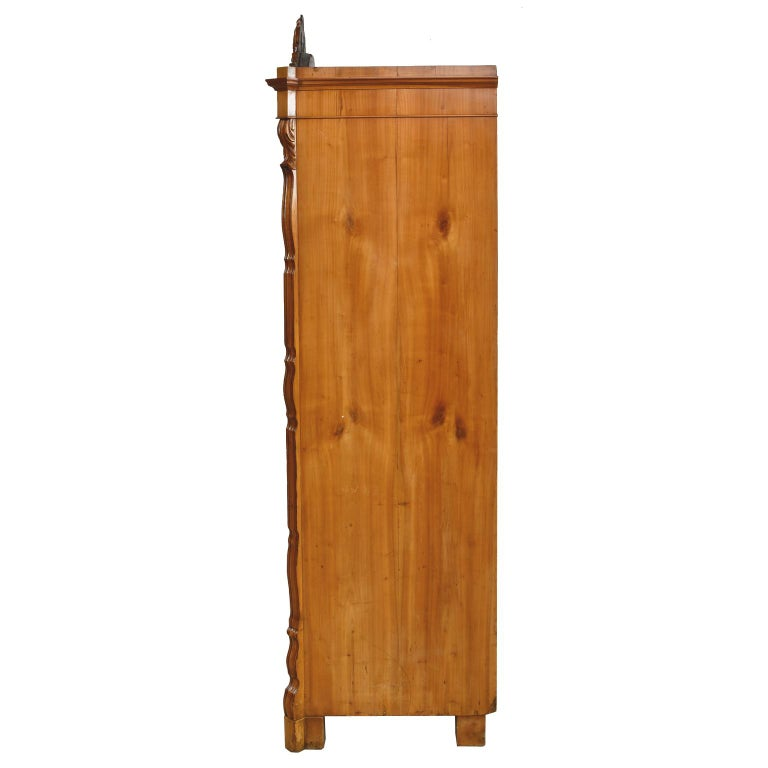 Louis Philippe Fall-Front Secretary in Cherrywood, Germany, circa 1850 In Good Condition For Sale In Miami, FL
