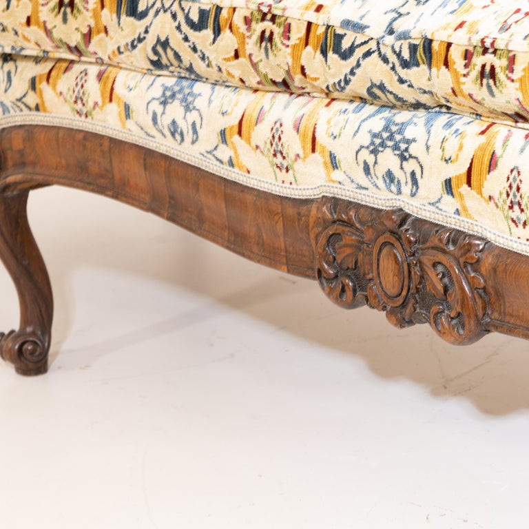 Louis Philippe Three-Seat Sofa, Walnut, Italy, 19th Century In Good Condition For Sale In Greding, DE